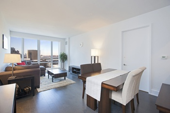 Bright and spacious 2 Bedroom at One Riverside Park!
